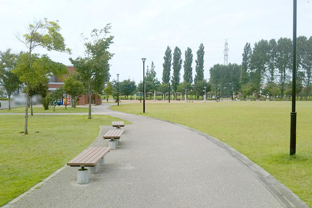 柏崎駅前公園